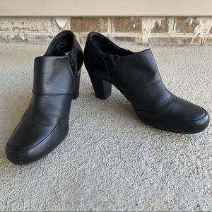 •Clarks• Black Leather Zipper Booties - Size 9